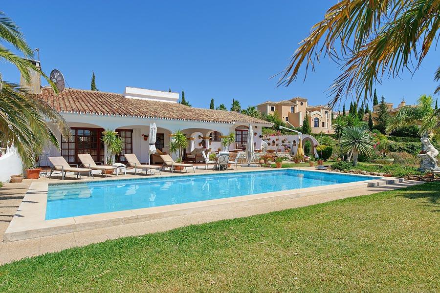 Spacious 3 Bedroom Villa For Rent