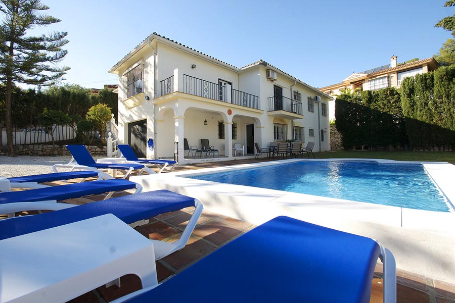 5 Bedroom, Golf Villa in El Coto